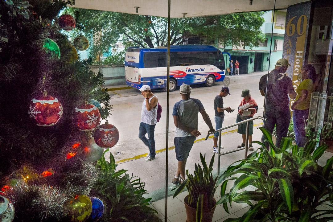 Christmas baubles, Calle O, Havana